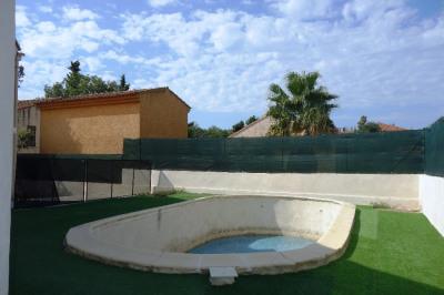 Bas de villa type 4 avec piscine entièrement rénové + 2 parkings