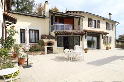 Maison - 8 pièces - 211 m²