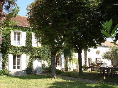 Casa antigua 7 piezas Limitrophe de Cognac