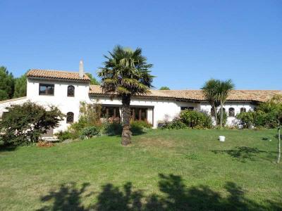 Vente de prestige maison villa saujon centre grande for Cuisine 3d saujon 17