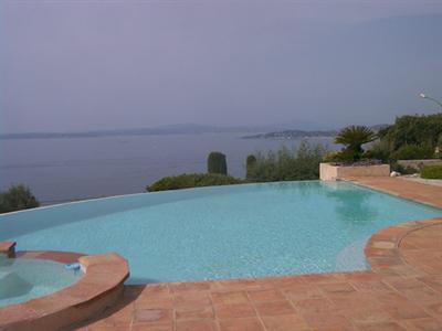 Vacation rental house / villa Les issambres 2 180€ - Picture 3