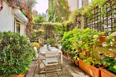 Paris XVIIe - Une terrasse dans un hôtel particulier
