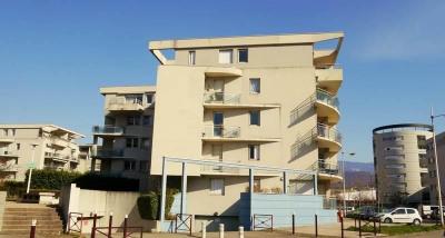2 pièces + cuisine de 50m² avec terrasse 7m² Ouest