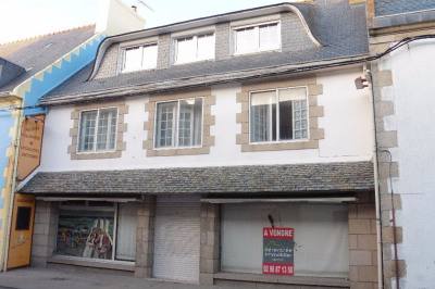 Local commercial et appartement