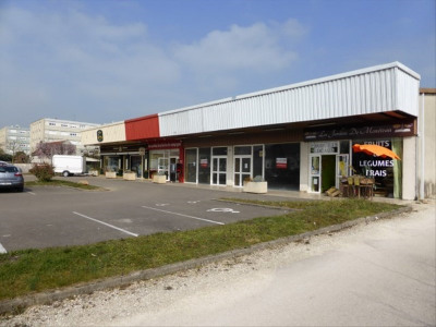 BOUTIQUE MONETEAU - 150 m2