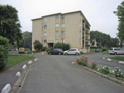 Appartement 3/4 pièces + balcon + parking