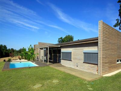 """Modèle de maison  """"Maison ossature bois RT2012"""" à partir de 4 pièces Dordogne par ECOCHALET"""