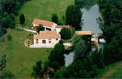 Vente maison / villa Aigre 617021€ - Photo 1