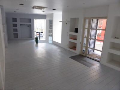 Boutique auxerre - 72 m²