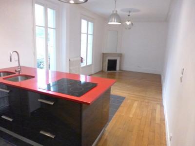 Appartement Paris 3 pièce(s) 72.65 m2