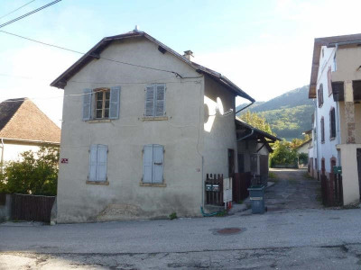 Maison village