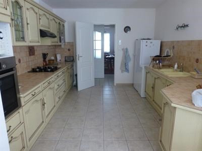 Sale house / villa Saint-jean-d'angély 342000€ - Picture 5