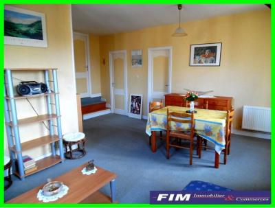 Appt 51 m² parfait état 2 chambres + séjour vue sur la pl