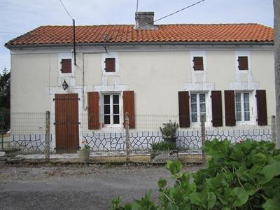 Sale house / villa Barbezieux st hilaire 84000€ - Picture 1