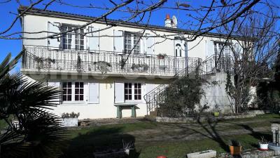 Vente Maison / Villa 7 pièces Niort-(147 m2)-285 000 ?