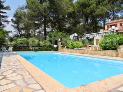 Villa type 6 avec piscine et garage