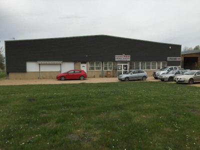 Location Local d'activités / Entrepôt Saint-Savin