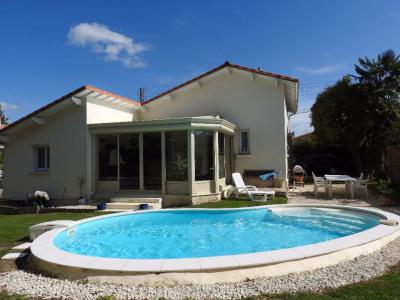 Centre-ville Saujon - maison + piscine