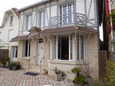 Maison La Rochelle 10 pièce (s) 245 m²