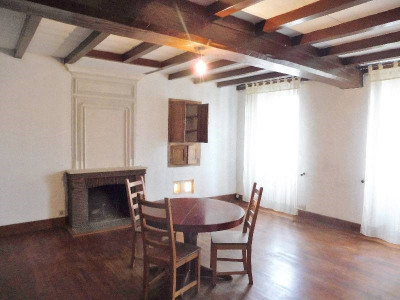 Charente house 9 rooms Entre Cognac et Saintes