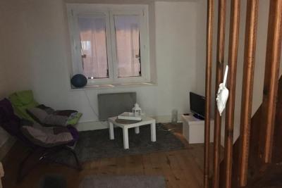 Dans petite résidence ancienne appartement de type F3: e