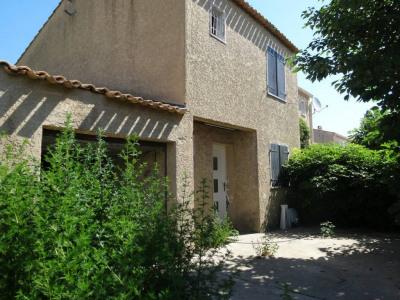 Villa de type 4 avec garage et jardin