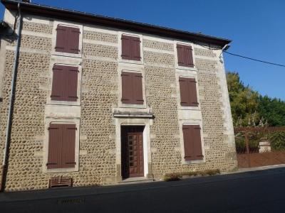 Maison de village 13 pièces