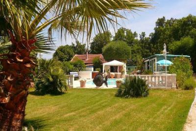 Jolie villa nichée dans un environnement calme et verdoyant
