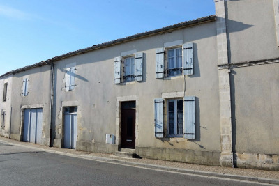 Maison Sainte Soulle 4 pièce (s) 115 m²