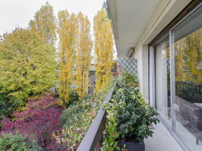 Neuilly-sur-Seine. A 168 sqm apartment in perfect condition.