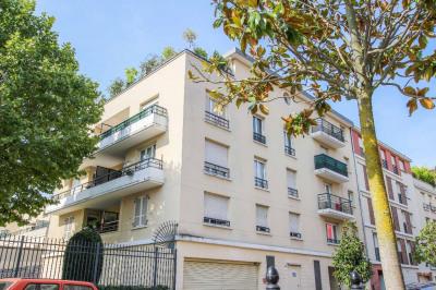 Appartement 3 pièces + balcon + parking