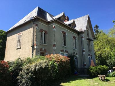 Bosmie l'Aiguille belle maison à finir de rénover