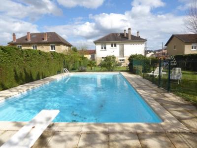 Maison avec piscine à terrasson proche écoles et commerces