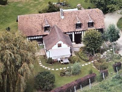 Sale house / villa Cambremer 232000€ - Picture 1