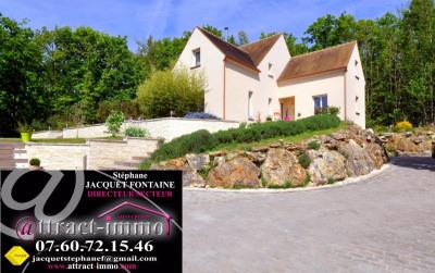 Villa d'architecte, 220 m², 8 pièces sur terrain arboré de 2