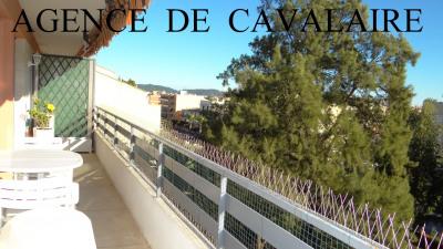 Appartement T 3 à Cavalaire en dernier étage proche du centre