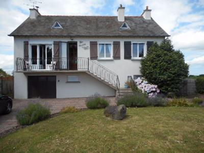 Maison Crehen 4 pièce (s) 80 m²