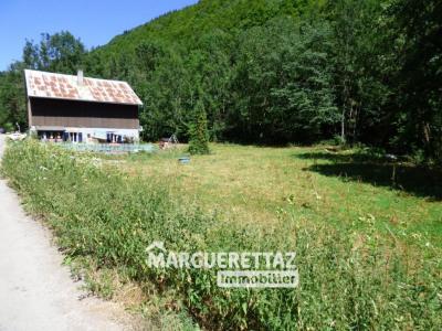 Terrain 2045 m²