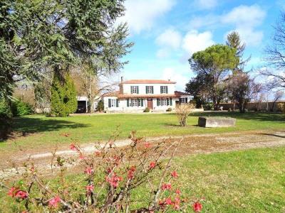 Maison 6 pièce (s) Secteur Salignac-sur-Charente
