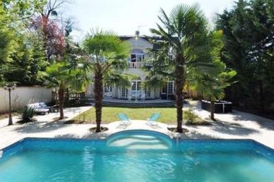 VILLA 8 pièces 400M² + 1000M² Jardin Piscine 6 chambres
