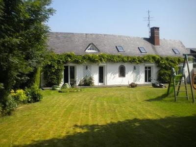 Longère 3 chambres cheminée garage terrasse sur 1500m² de terrai