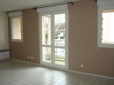 Rental apartment Livry-gargan 555€ CC - Picture 2