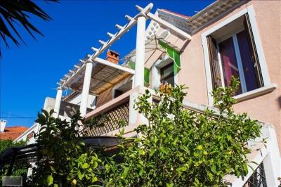 TOULON OUEST- Jolie maison de deux appartements de type F3