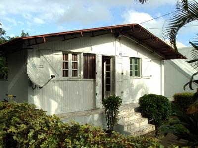 Villa F3/4 avec garage centre de tampon