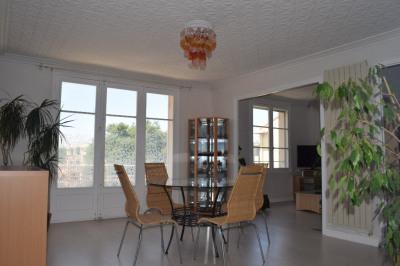 Appartement 3 pièces 70 m², dernier étage, vue dégagée, garage