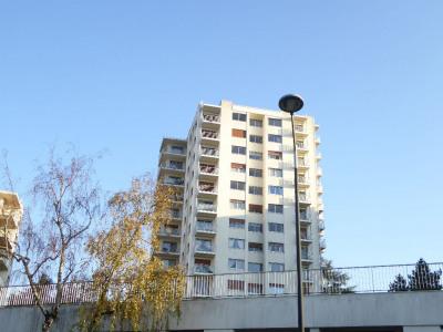 Revenda - Estacionamento - Saint Sébastien sur Loire - Photo