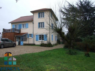 Maison (327 m²) 7 chambres + studio indépendant sur 5000 m² clos