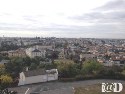 Vente Appartement 4 pièces Poitiers-(79 m2)-79 900 ?