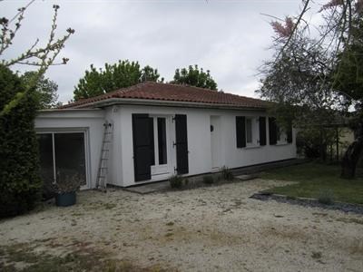 Sale house / villa Barbezieux saint-hilaire 152 000€ - Picture 2