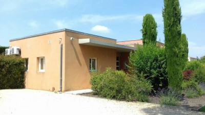 Entraigues sur la Sorgues - Avignon Nord - Beaux bureaux de 105m